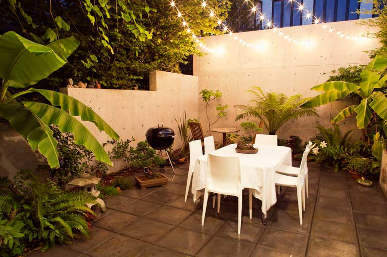 picture of patio with plants