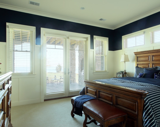 picture of room with lots of blinds
