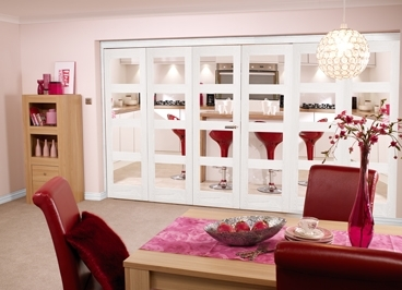 White 4L Shaker Room fold - Clear: Internal Folding Doors Image