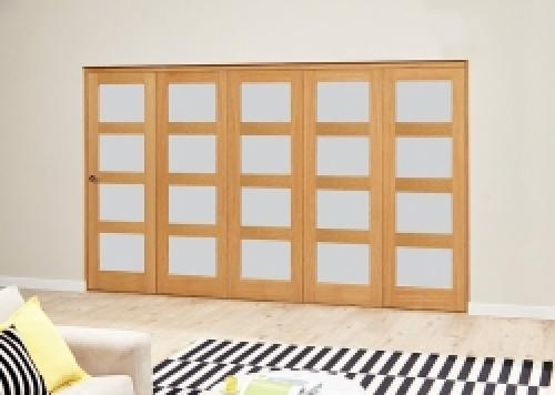 PREFINISHED Oak 4L Roomfold Deluxe - Frosted Glass: Interior Folding Door with Low Level Guide Rail Image