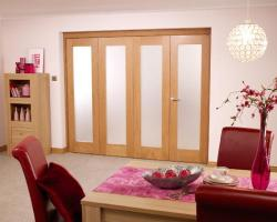 Glazed oak Roomfold - PREFINISHED Frosted glass, Interior Bifold Doors Image