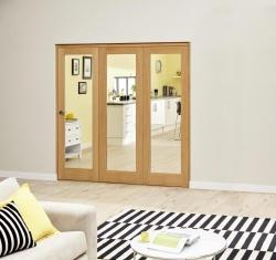 Oak Roomfold Deluxe - Clear Glass, Interior Bifold Doors Image