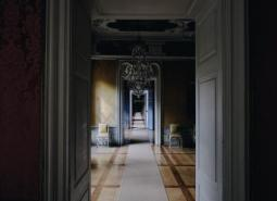 How To Decorate Your Entrance Hall Image