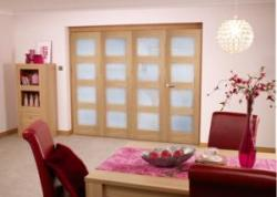 Oak 4L Shaker Roomfold - Frosted Unfinished: Unfinished Internal Folding Door Image